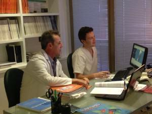 Alfredo Amigó y Sergio Bonaque, autores de la publicación son los autores de la publicación sobre la nueva técnica acerca del centrado de las lentes intraoculares, aplicables en caso de presbicia.