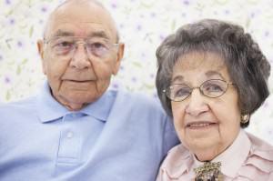 Ancianos con gafas