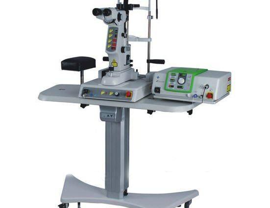 Este tipo de láser utilizado en oftalmología tiene una acción térmica y fotocoagula puntualmente los tejidos sobre los que actúa