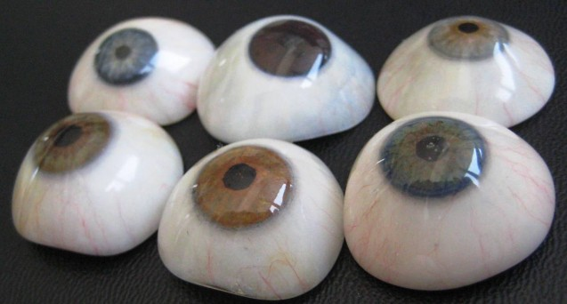 El Instituto Oftalmológico Amigó publica un novedoso artículo científico sobre el cuidado de las prótesis oculares
